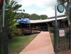 Lazy Lizard Tavern and Caravan Park Cabins | Australia Hotels Pine Creek