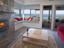 Points South By The Sea Cottages: guest room