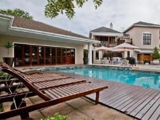 /sir-roys-guest-house/hotel/port-elizabeth-za.html?asq=vrkGgIUsL%2bbahMd1T3QaFc8vtOD6pz9C2Mlrix6aGww%3d