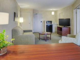 Quality Suites Toronto Airport Toronto (ON) - Guest Room