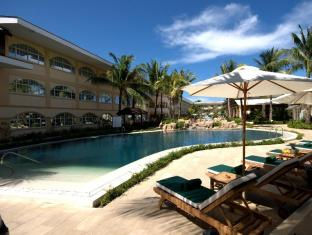 Henann Garden Resort Boracay Island - Pool at the Deluxe Building