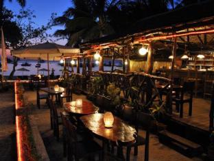 Surfside Boracay Resort & Spa Boracay Island - Restaurant at Sunset