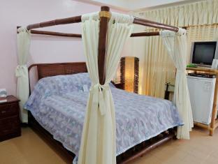 Surfside Boracay Resort & Spa Boracay Island - Deluxe Double