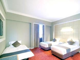 Quality Hotel Marlow Singapore - Premier Triple Room