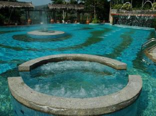 Kampung Tok Senik Hotel Langkawi - Kolam renang