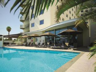 Crown Promenade Perth Hotel Perth - Pool Area