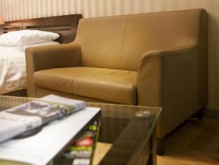 Provista Hotel Gangnam Seoul - Sofa