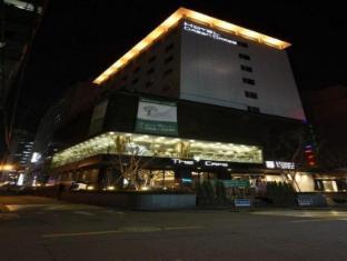 Green Grass Hotel