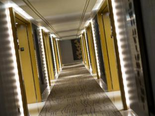 Grand Angkasa International Hotel Medan - Corridor