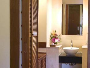 Grand Istana Rama Hotel Bali - Bathroom