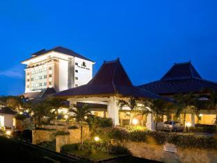 /the-sunan-hotel-solo/hotel/solo-surakarta-id.html?asq=vrkGgIUsL%2bbahMd1T3QaFc8vtOD6pz9C2Mlrix6aGww%3d