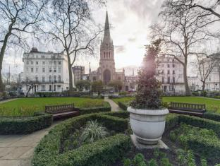 Mitre House Hotel London - Sussex Gardens and St James' Church