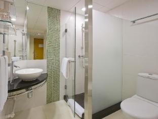 Holiday Inn Express Causeway Bay Hong Kong Hong Kong - Bathroom