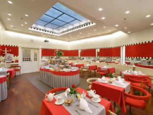 Mamaison Hotel Riverside Prague Prague - Breakfast Room