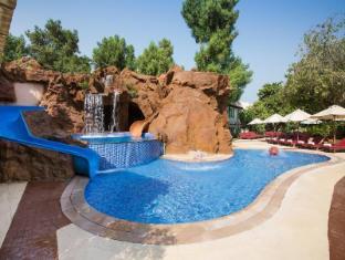 Habtoor Grand Beach Resort & Spa - Autograph Collection Dubai - Kid's Pool