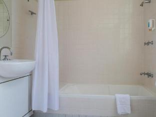 Capitol Square Hotel Sydney - Bathroom