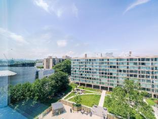 Ginosi Waterfront Apartel