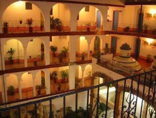 /de-de/hotel-encino/hotel/puerto-vallarta-mx.html?asq=vrkGgIUsL%2bbahMd1T3QaFc8vtOD6pz9C2Mlrix6aGww%3d