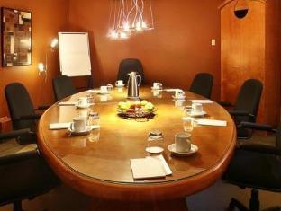 /auberge-le-pomerol/hotel/montreal-qc-ca.html?asq=jGXBHFvRg5Z51Emf%2fbXG4w%3d%3d
