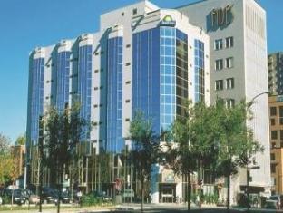 /vi-vn/hotel-chrome-montreal-centre-ville/hotel/montreal-qc-ca.html?asq=vrkGgIUsL%2bbahMd1T3QaFc8vtOD6pz9C2Mlrix6aGww%3d