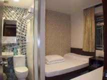 Mong King Hotel: guest room