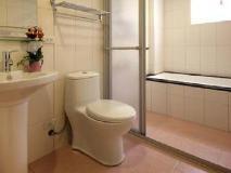 2013 Bed and Breakfast: bathroom