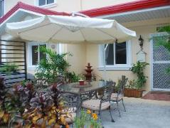 Philippines Hotels | California Dreaming Noonans Apartelle