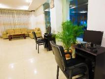 Douangchan Plaza Hotel: business center