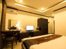 Douangchan Plaza Hotel: guest room