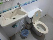 Ocean Pearl Inn I: bathroom