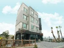Jeju Saint House Resort: exterior