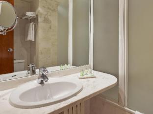 NH Entenza Barcelona - Bathroom