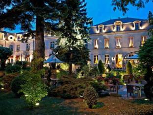/hostellerie-le-cedre/hotel/beaune-fr.html?asq=jGXBHFvRg5Z51Emf%2fbXG4w%3d%3d