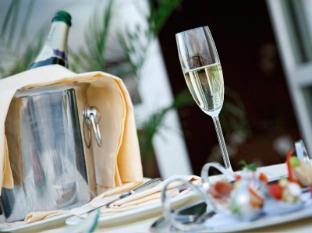 Hotel Savoy Prague - Food and Beverages