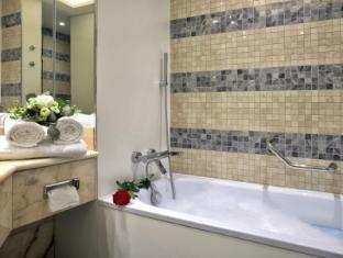 Hotel Savoy Prague - Bathroom