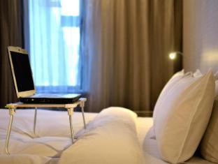 YOMI Hotel Taipei - Facilitate small table