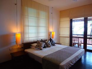 Goldi Sands Hotel Negombo - Suite Room