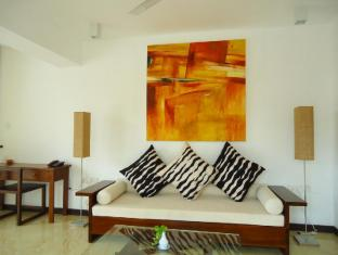 Goldi Sands Hotel Negombo - Suite Interior