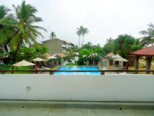 Goldi Sands Hotel Negombo - Suite  Room Balcony