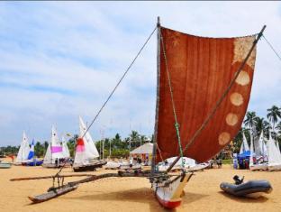 Goldi Sands Hotel Negombo - Catamarans