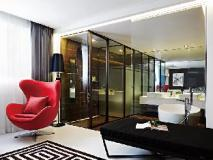 The Bathtel Hotel: interior