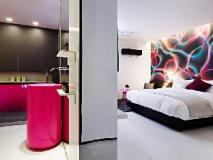 The Bathtel Hotel: guest room