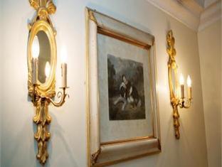 Lynams Hotel Dublin - Interior