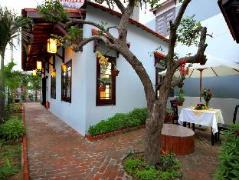 Tue Tam Homestay | Hoi An Budget Hotels