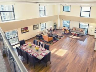/amwaj-suites-jumeirah-beach-residence/hotel/dubai-ae.html?asq=5VS4rPxIcpCoBEKGzfKvtBRhyPmehrph%2bgkt1T159fjNrXDlbKdjXCz25qsfVmYT