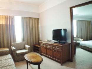 Pousada Marina Infante Hotel Macau - Suite Living Room
