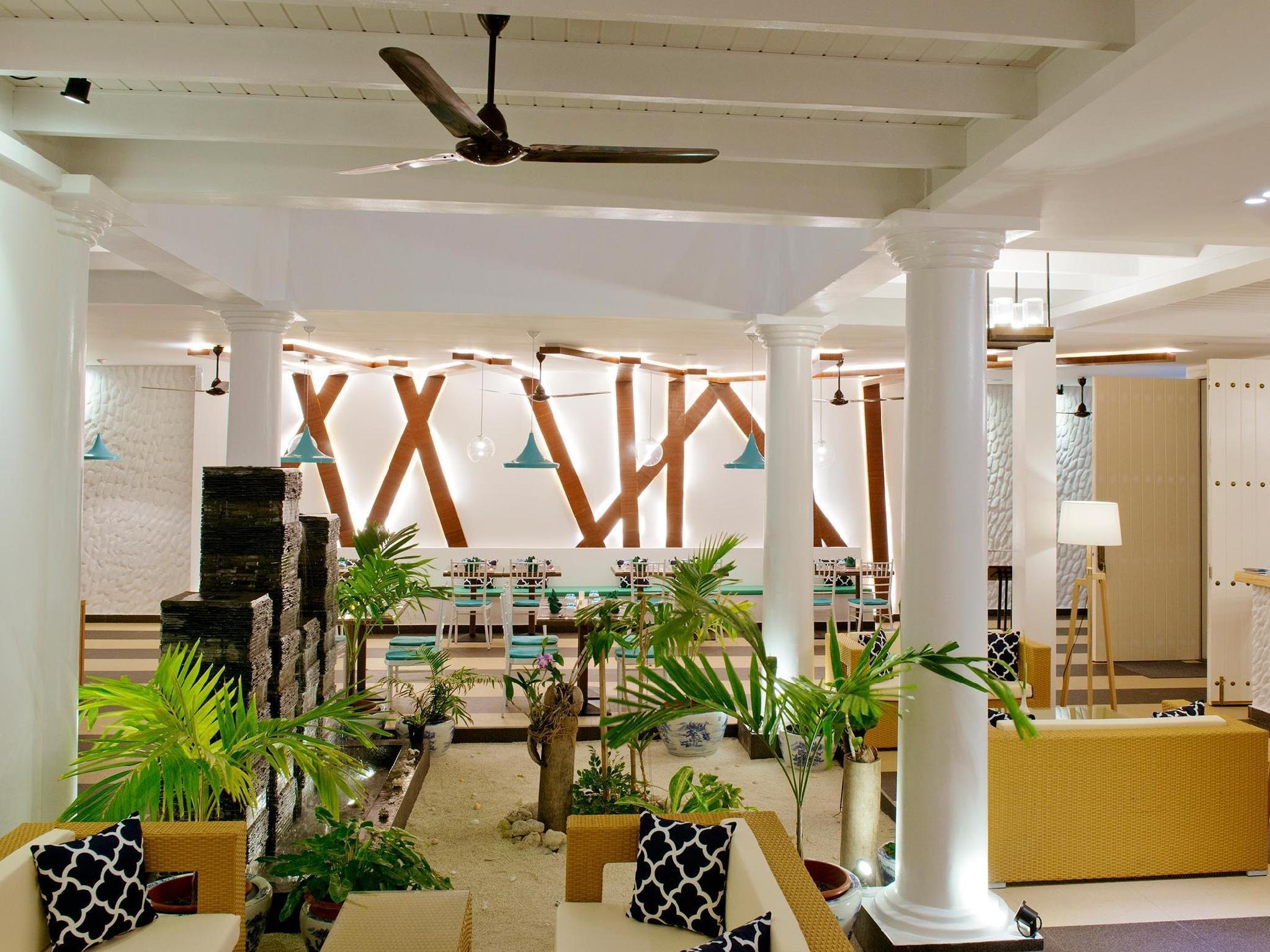 Crystal Sands Beach Hotel62