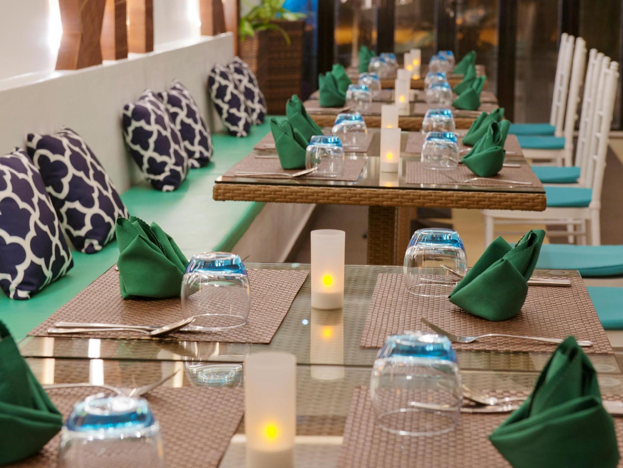 Crystal Sands Beach Hotel11
