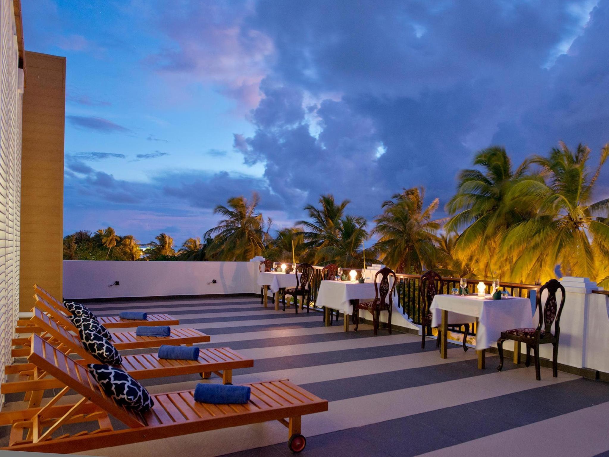Crystal Sands Beach Hotel9