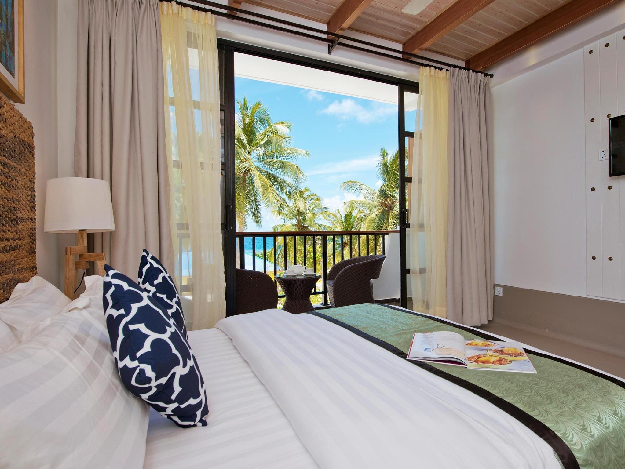 Crystal Sands Beach Hotel2